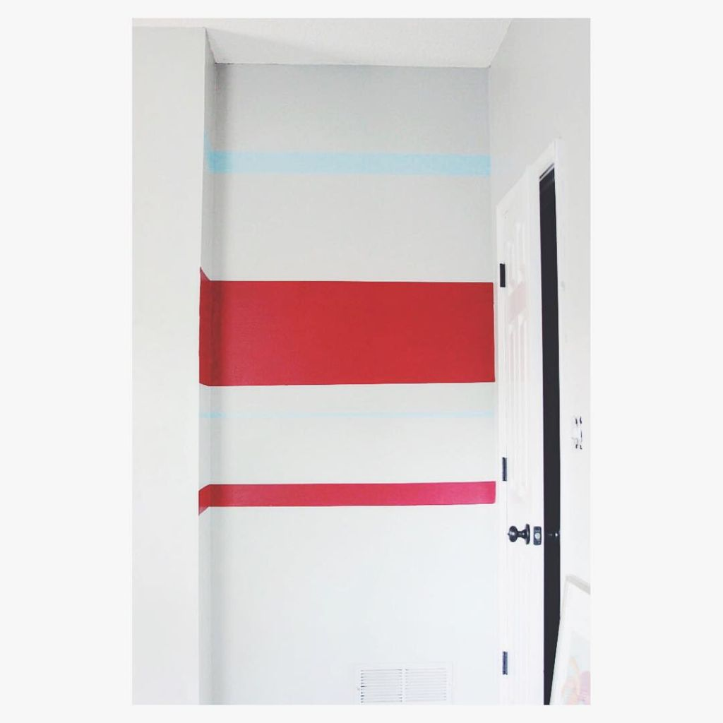Helpful tips on the blog today on how to get crisp paint stripes. Just one trick and it is super easy with $.99 paint pints from @AceHardware #FindYourColor #Sponsored #DIY #WallStripes #BoysRoom