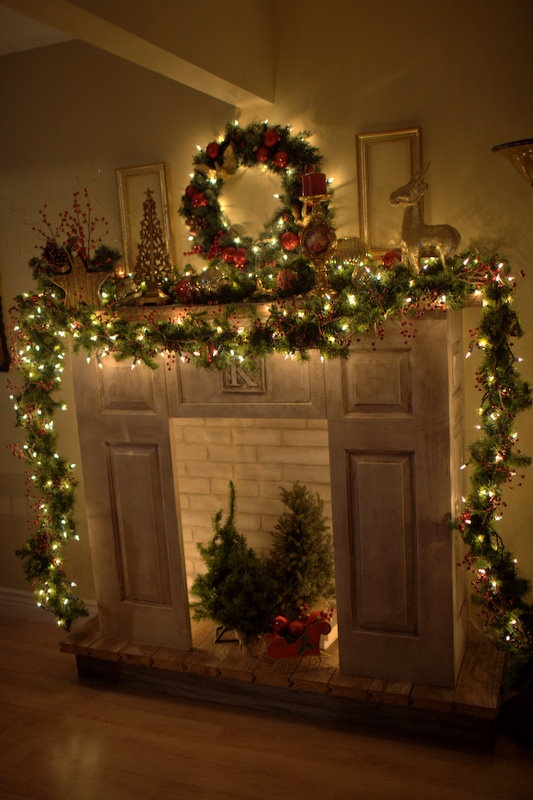 Christmas mantle 1