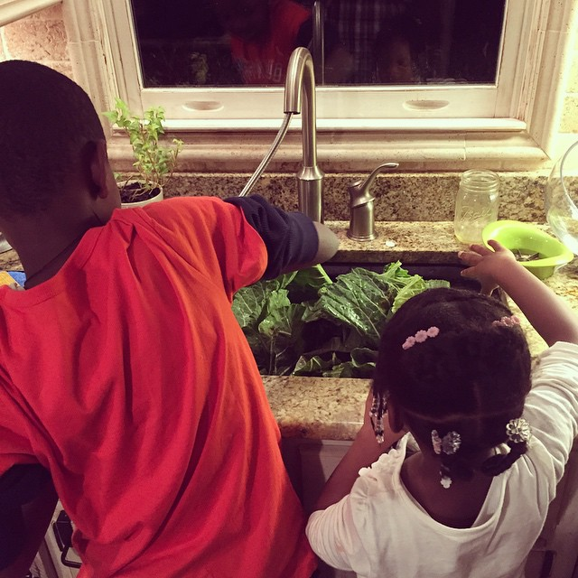 They are fighting over who gets to clean the collard greens ? #BeMyGuest