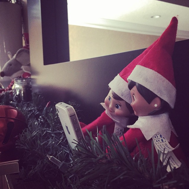 How are Bella and Charlotte supposed to be watching her if they are taking #selfies. Nothing like a good selfie with your homegirl. #Elfontheshelf #elfontheshelfselfies
